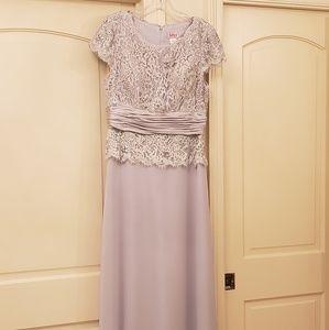 Juliet mother's gown
